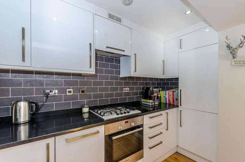 Flat in  Iverson Road  Hampstead  NW6  Richmond