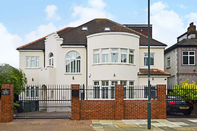 Detached house in  Alexander Avenue  London  NW10  Richmond