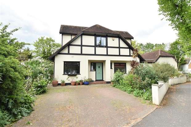 Houses for Sale in Worcester Park, Greater London
